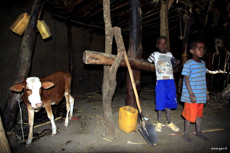 ethiopie-hutte-04-www-garr_-fr_