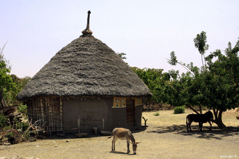 ethiopie-hutte-10-www-garr_-fr_